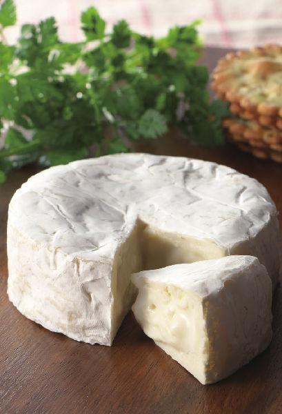 職人の手造り「カマンベールチーズ」
